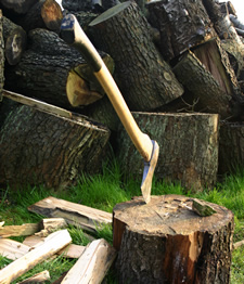 Outdoor Skill Tips: How to Use An Axe